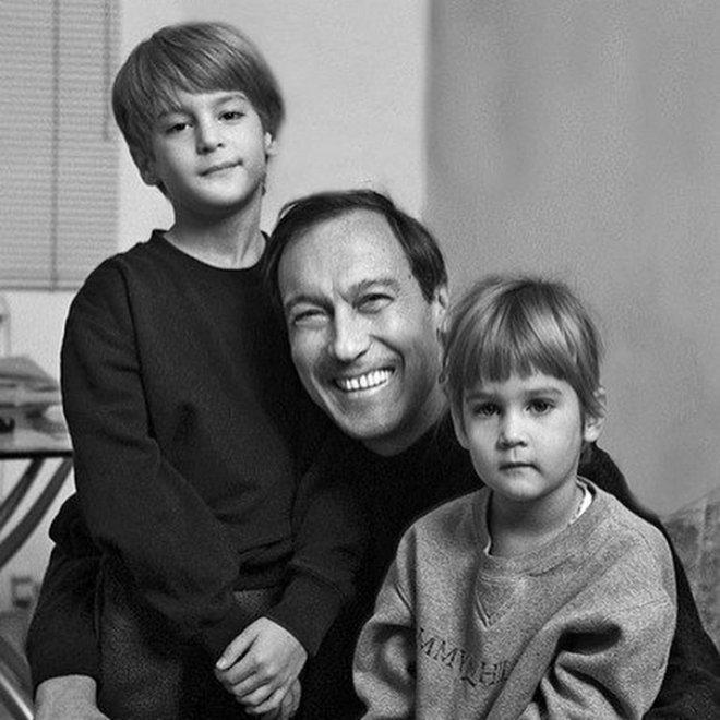 янковский олег фото с семьей для пирсинга