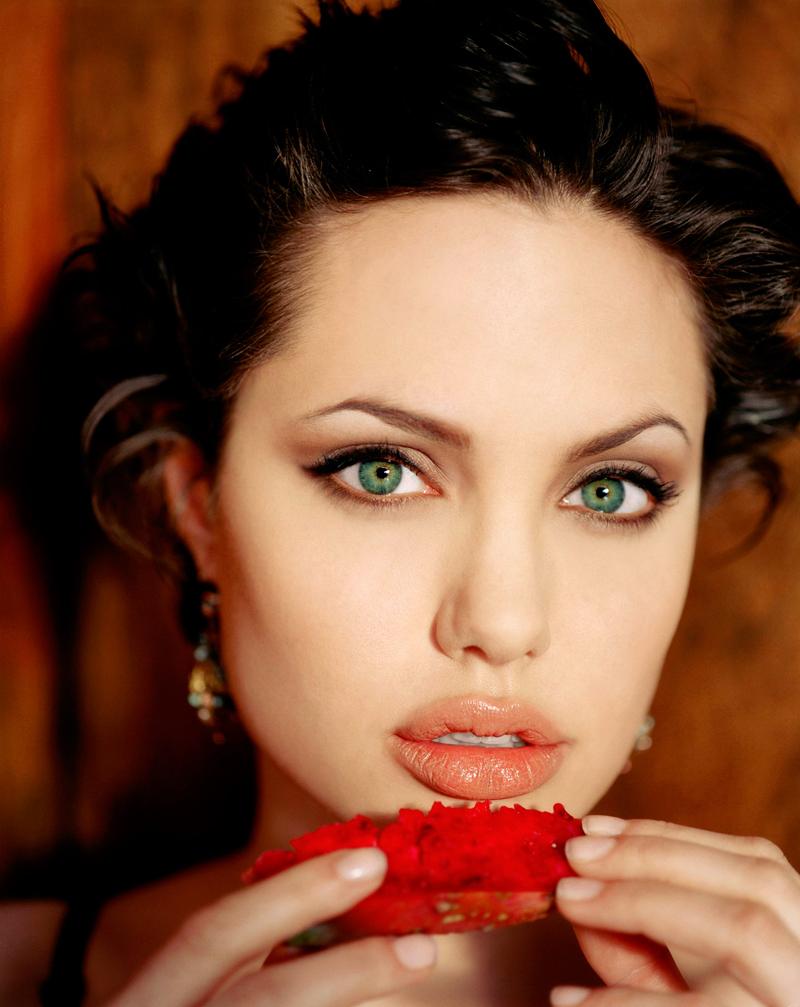 остальные актрисы с красивыми губами фото потрудиться