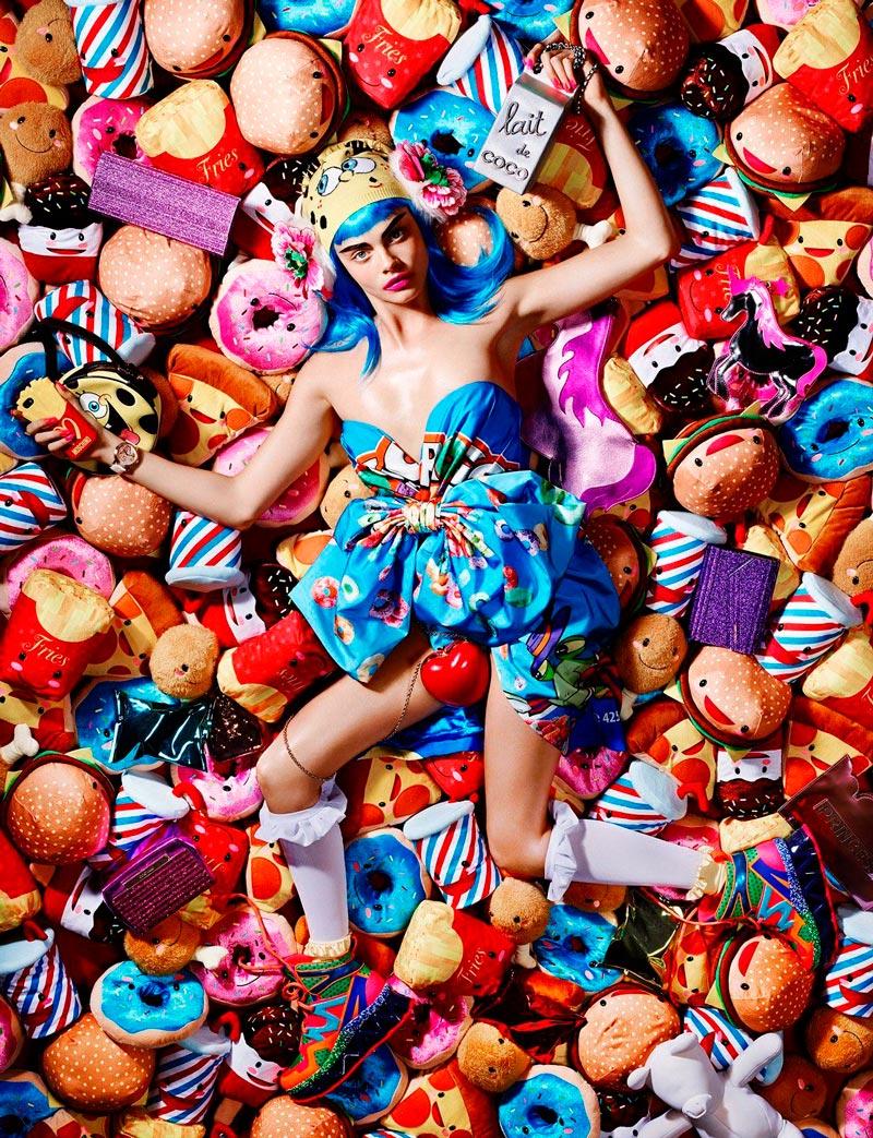 Кара Делевинь из фотосесси с конфетами