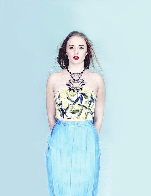 Софи Тернер - Nylon Magazine Singapore фотосессия июль 2014 год