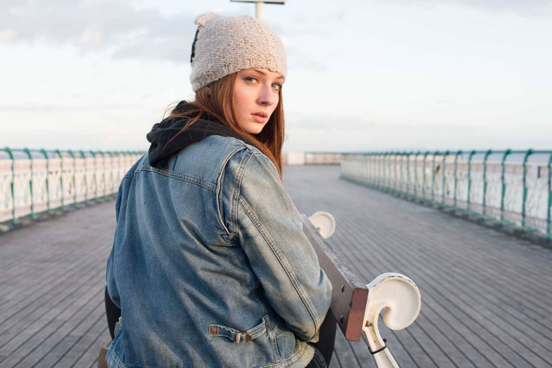 "Софи Тернер кадры из фильма ""Глаза панды"" Another Me"