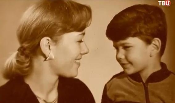 65 фото Арины Шараповой до и после пластики, фото мужей и сына, внуков