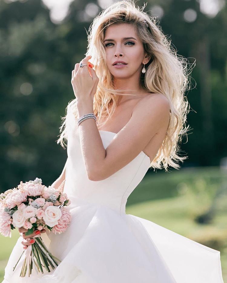 Свадебное платье веры брежневой фото