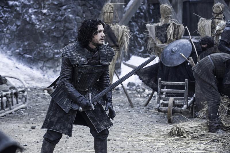 Джон Сноу с мечом
