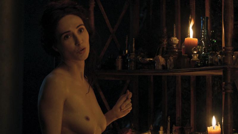Обнаженная голая Мелисандра Красная Женщина