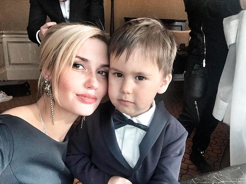Павел Прилучный и его жена Агата Муцениеце – 60 лучших совместных фото