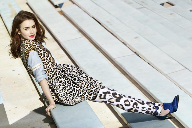 Лили Коллинз фото в леопардовом костюме