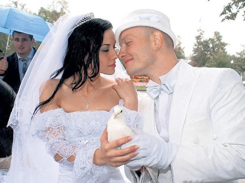 Фото жены Никиты Панфилова Лады и фото Ксении Соколовой - его новой девушки