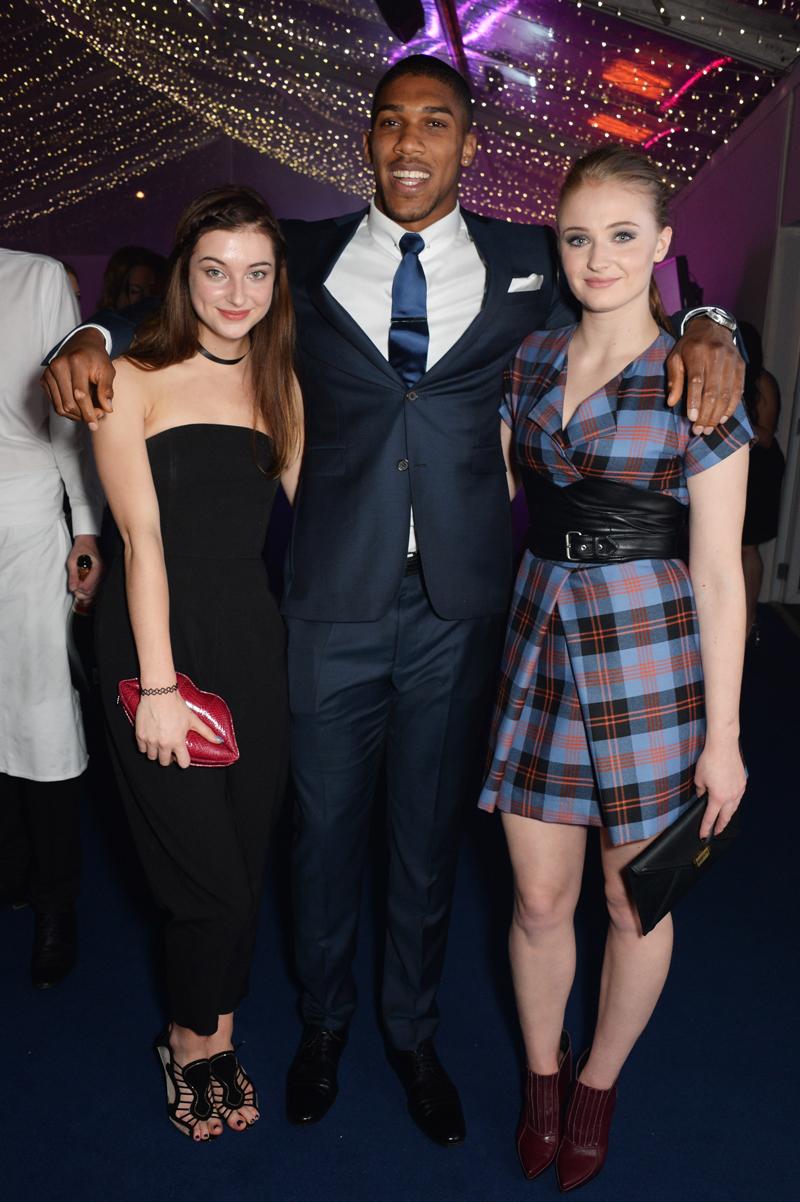 Софи Тернер и Антония Кларк Ежегодное Вручение наград «Женщина года» британского Glamour 2014