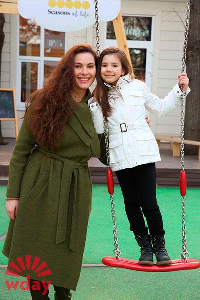 43 фото Янины Соколовской  бывшей жены Александра Устюгова, фото детей