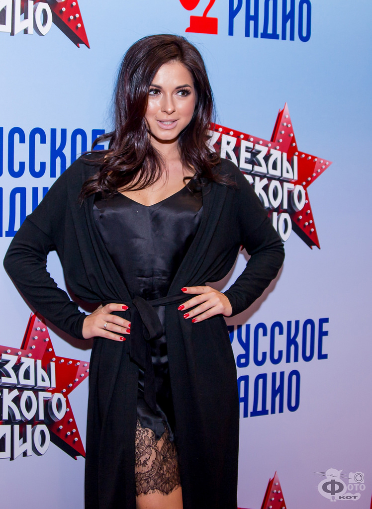 (80 фото) Певица Нюша, ее муж Игорь Сивов, другие родственники Нюши