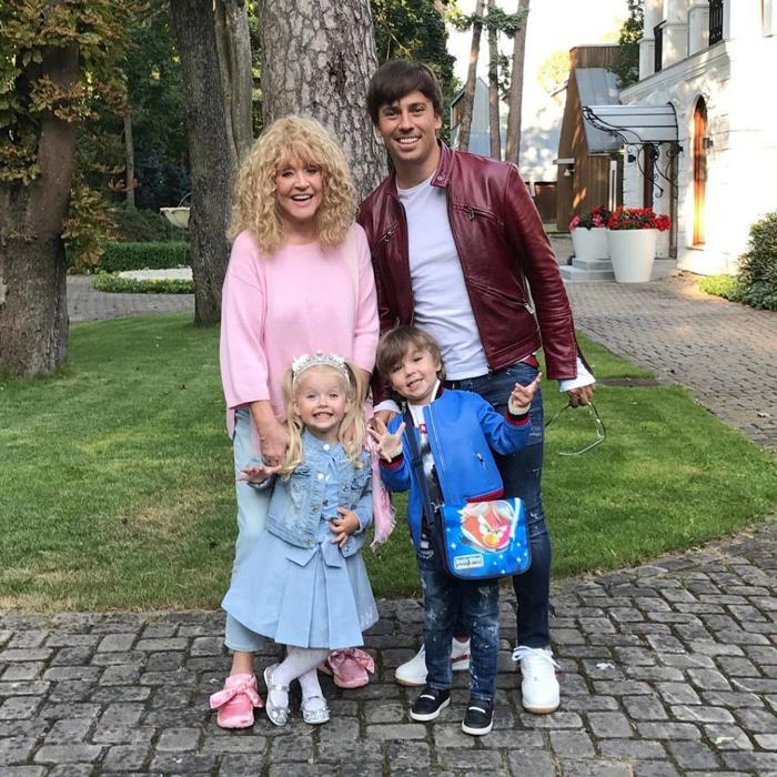 80 лучших фото Максима Галкина и его детей Лизы и Гарри