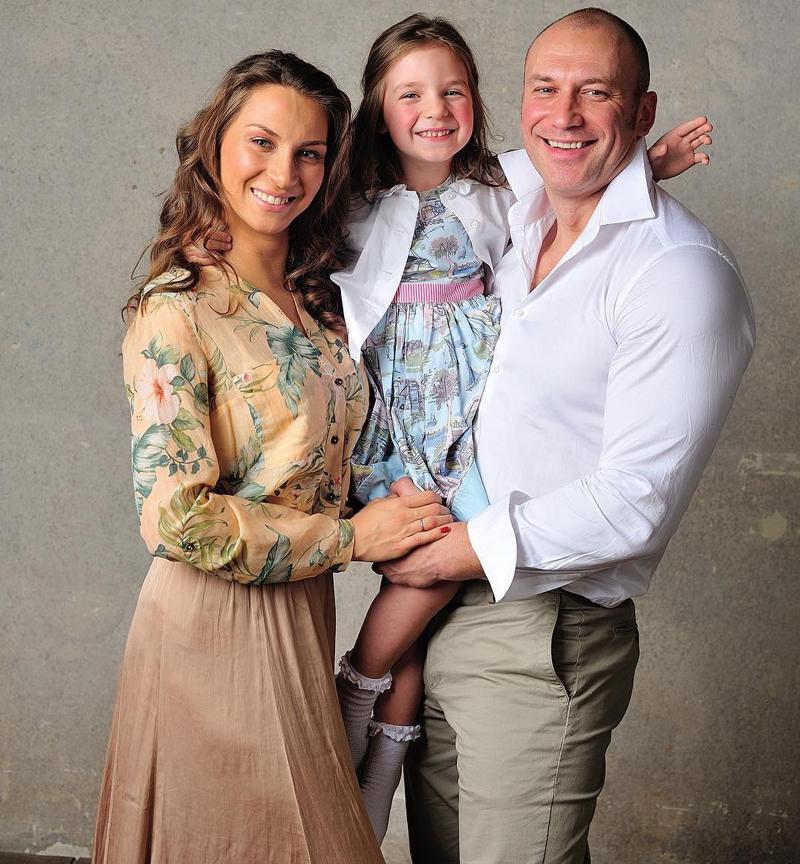 50 лучших фото Константина Соловьева и его жен (Евгении Ахременко и Анастасии Соловьевой (Лариной)), детей