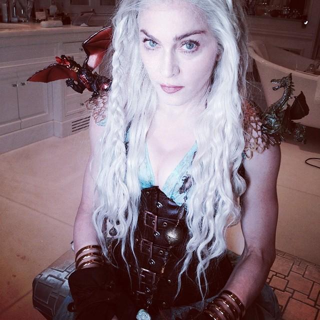 Мадонна в образе Матери Драконов