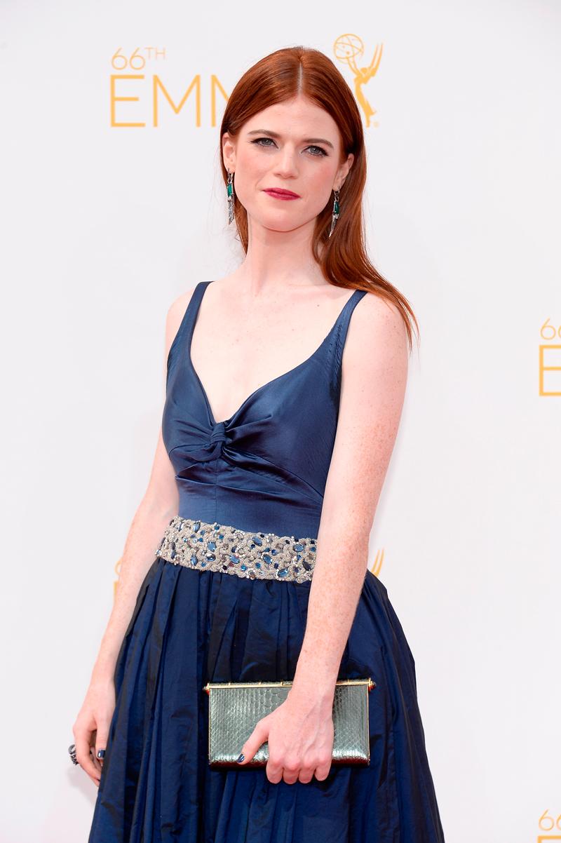 Роуз Лесли Эмми 2014 черное платье