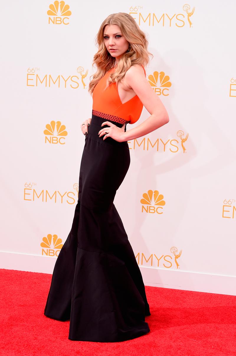 Натали Дормер Эмми 2014 оранжевое с черным платье