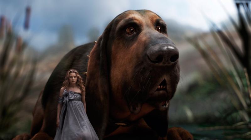 "Собака из фильма ""Алиса в Стране в Стране чудес"""