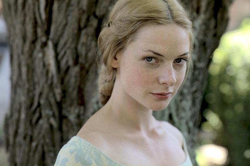 Элизабет Вудвил (Ребекка Фергюсон) – королева Англии, жена Эдуард IV.