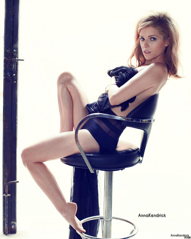 Анна Кендрик в голая ню эротика фото 2013 год