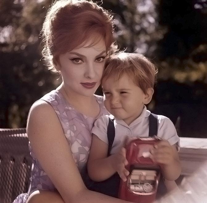 Джина Лоллобриджида с сыном Милко-младшим