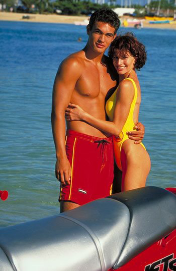 Джейсон Момоа молодой с девушкой Симон