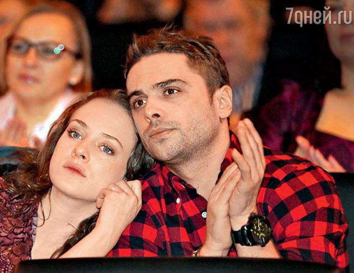 Аглая Тарасова и Илья Глинников