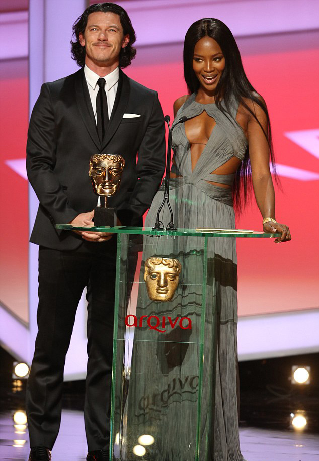 Наоми Кемпбелл и Люк Эванс TV BAFTA 2014