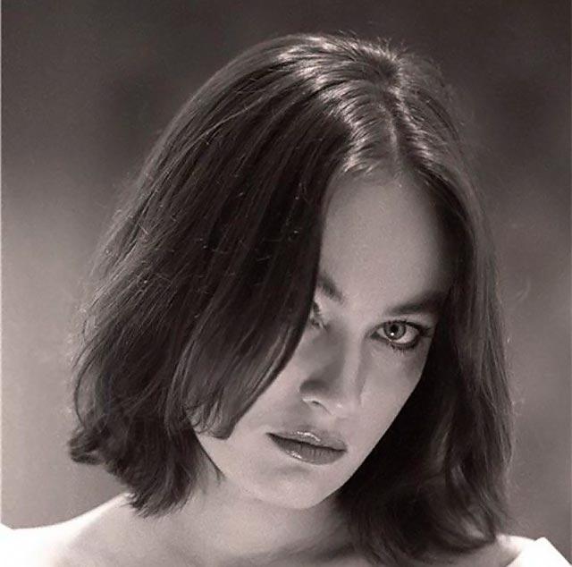 Лариса Гузеева в молодости 21 фотография